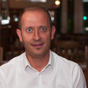 Servicemitarbeiter Fabio Bongoraggio im Hase Restaurant